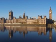 100Thanks al Parlamento Británico